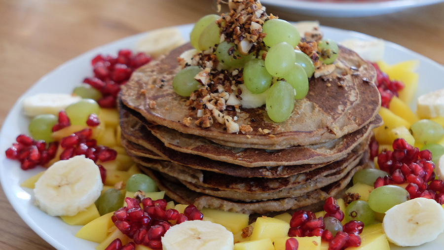 Rezept_Vegane Pancakes aus Haferflocken und Banane_2_ernaehrung-bewegt-dich